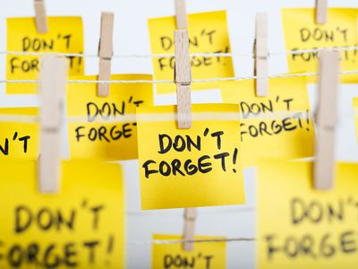 """post-it notes saying """"don't forget!"""""""