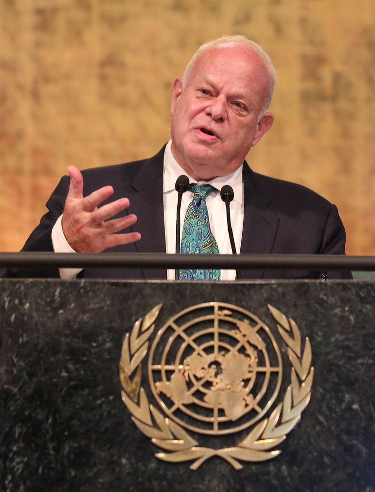Seligman speaking at the 2016 Novus Summit