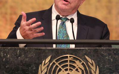 Seligman speaking at the 2016 Novus Summit