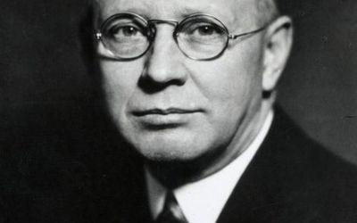 Clark Hull portrait