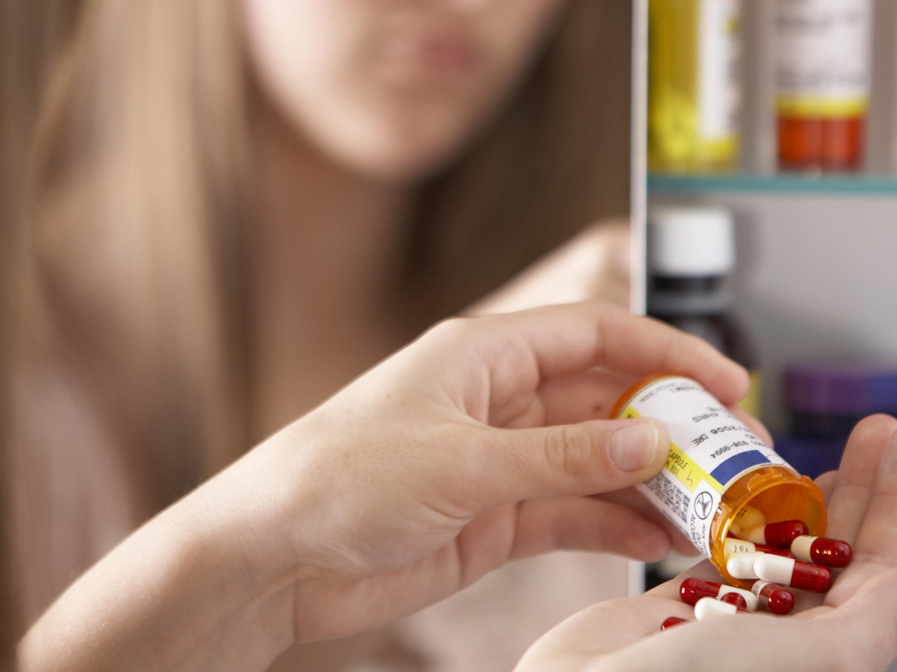 How to Identify Common Pills Abused by Teens