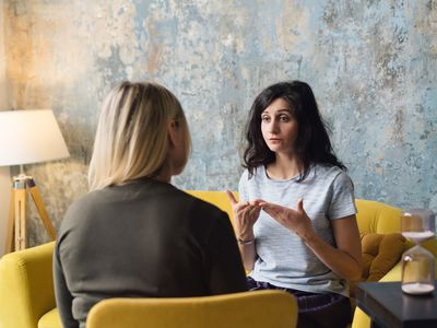 Woman talking to her therapist.