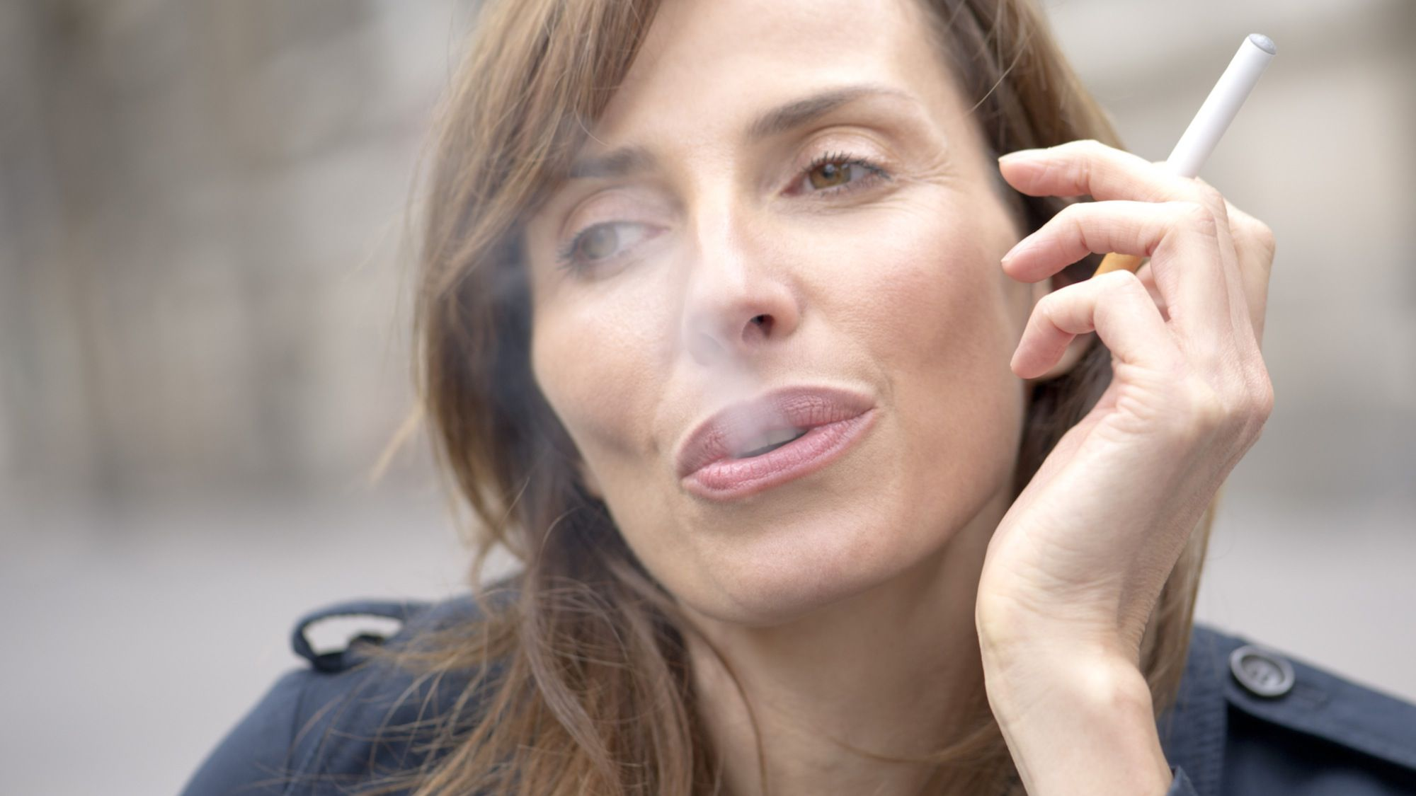 Smoke cigarettes learning to women Deep Inhale
