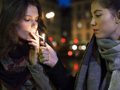 teens smoking marijuana
