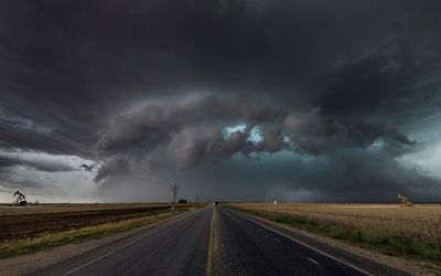 The Bear's Cage, Tornado cloud over Texas.