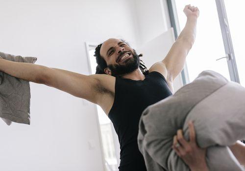 Husband wins pillow fight