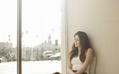 Woman with avoidance behavior