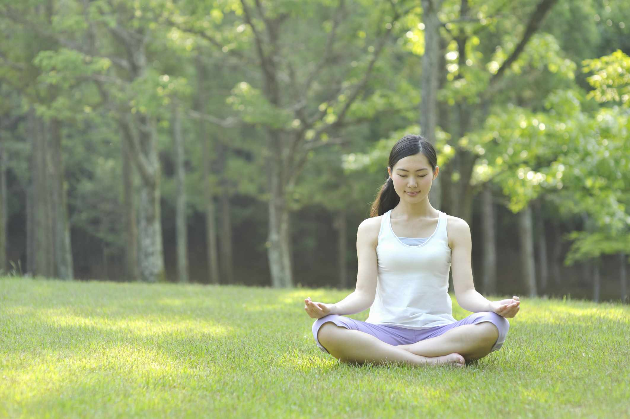 meditation-outside-in-park-Yagi-Studio.jpg