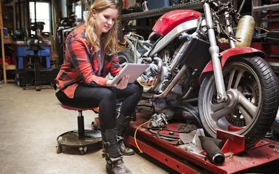 Woman discovering through experiential learning