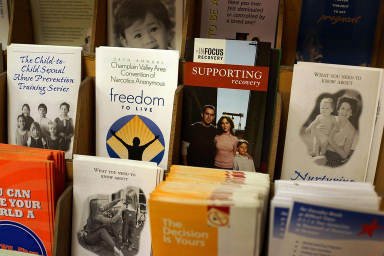Display of pamphlets