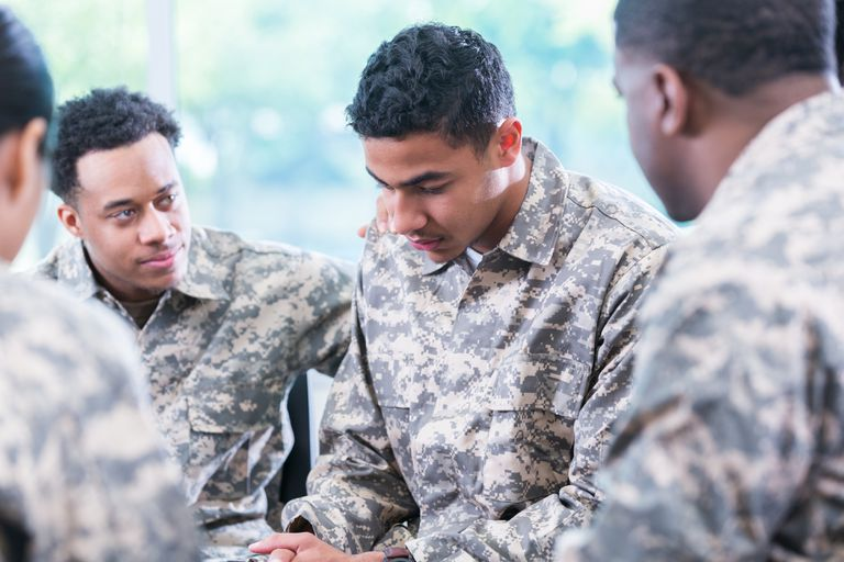 Soldiers support friend with PTSD