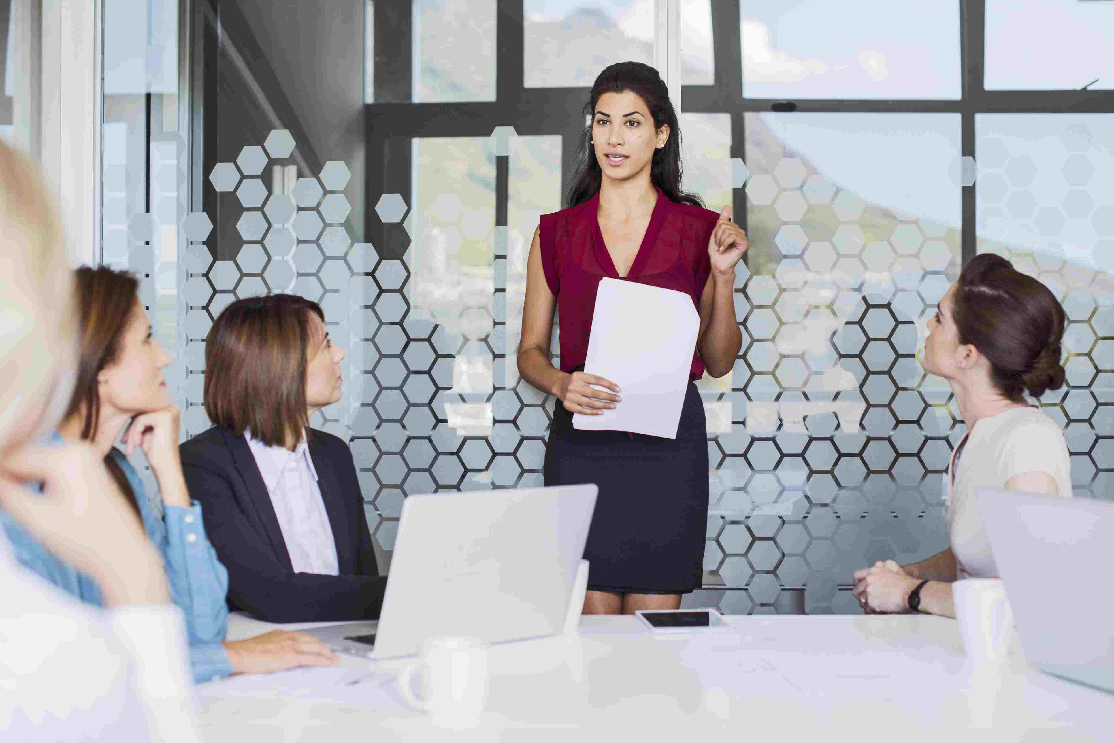 pros and cons of female leadership
