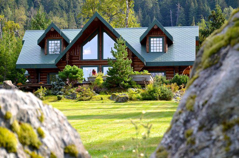 Nunatak Lodge