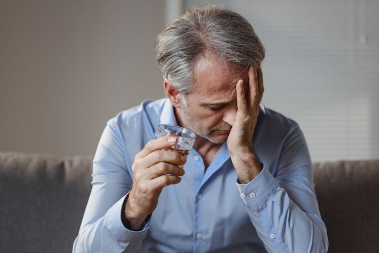 Alcohol addiction and suicide risk