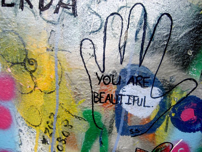 Compliment graffiti.