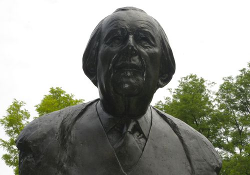 Statue of Jean Piaget