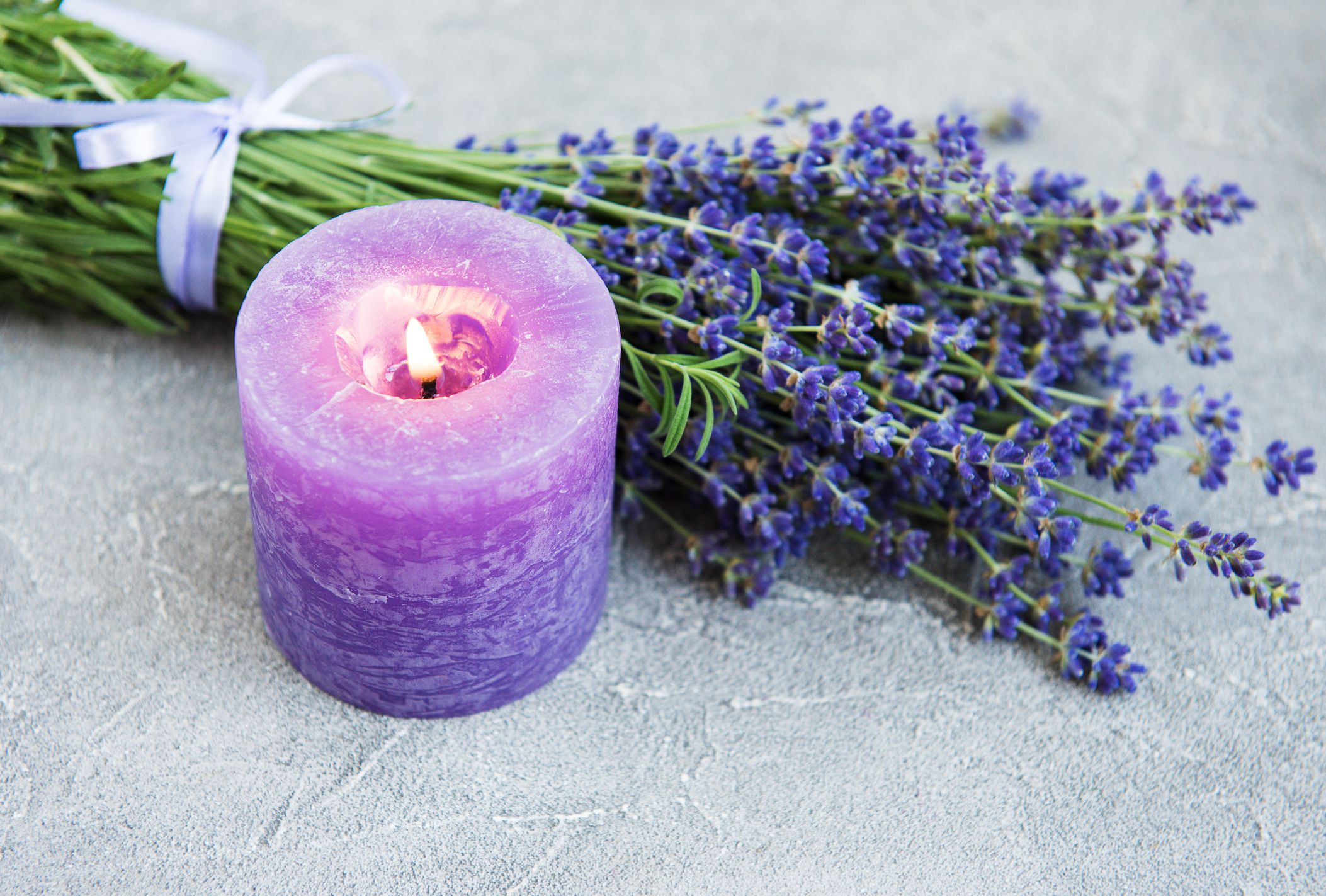 The 9 Best Aromatherapy Candles to Maximize At-Home Comfort