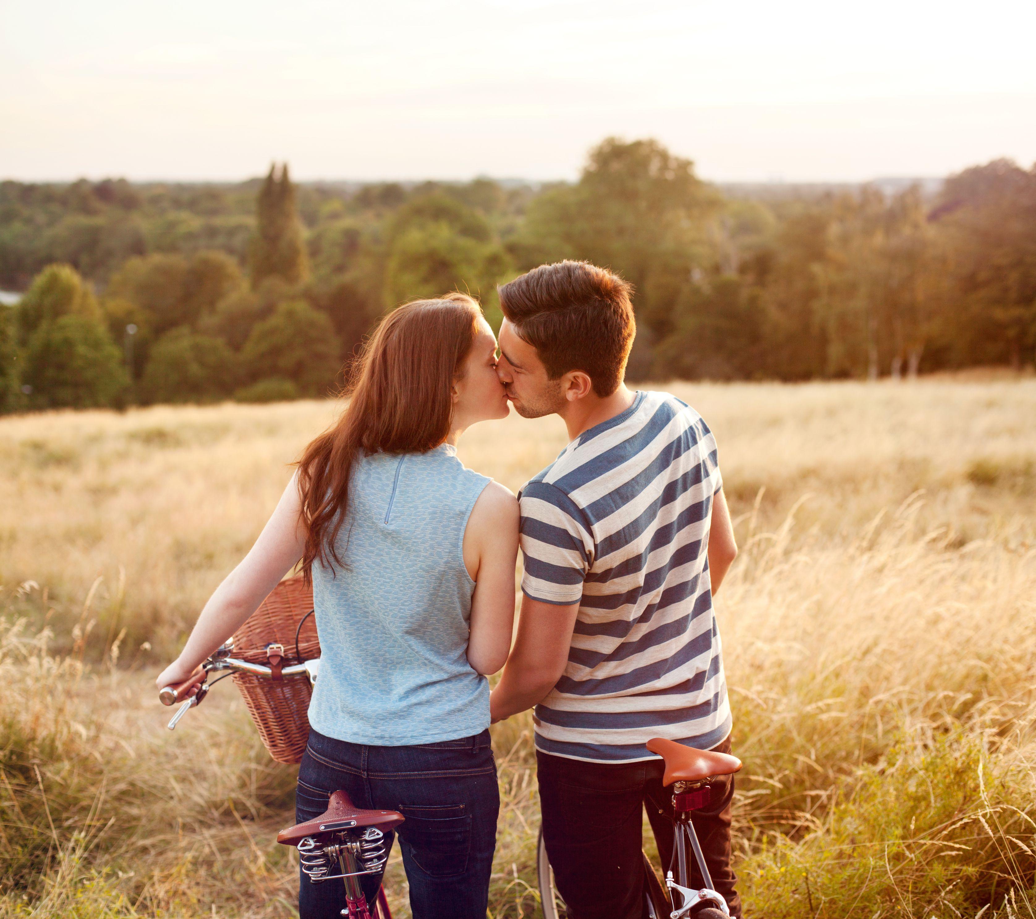 Psychosocial Stage 6 Intimacy Vs Isolation